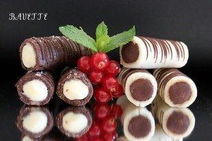 Huesos de Santo, a los dos chocolates.