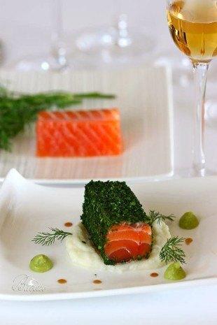 Salmón marinado, crema de coliflor