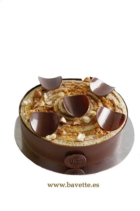 Bizcocho enrollado con ganache montada de chocolate