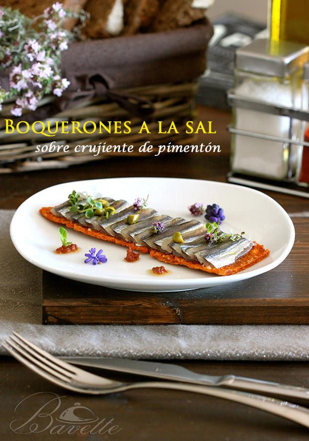Boquerones a la sal sobre crujiente de pimentón