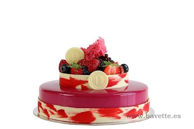 Cheesecake de fresas con crujiente de almendra, y compota de fresa