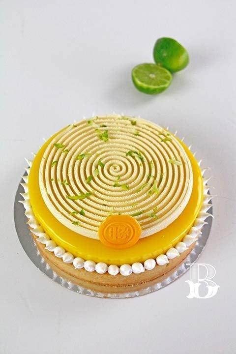 Tarta de limón con crema de almendras y mousseline de lima
