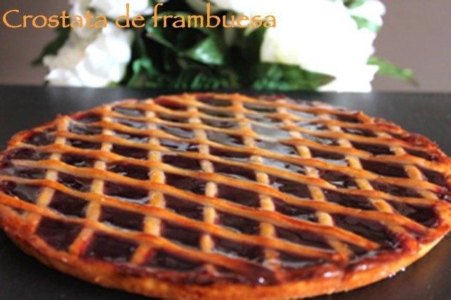 Crostata con mermelada de frambuesas