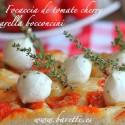 Focaccia de tomate cherry con mozzarella bocconcini
