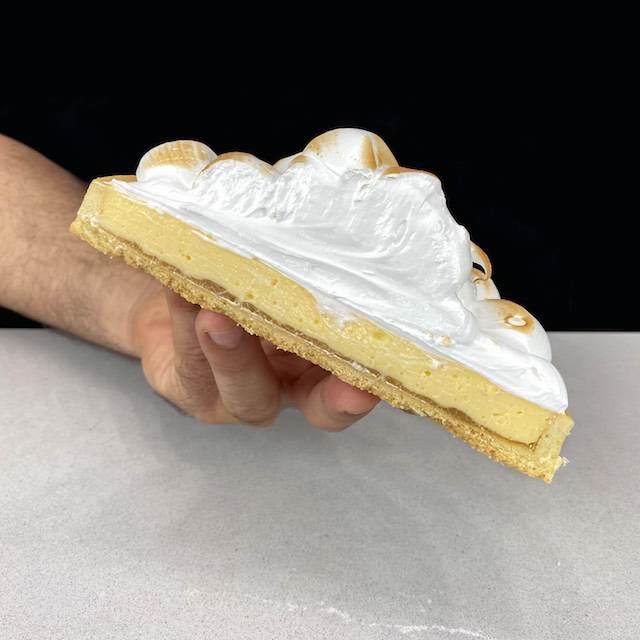 Tarta Sable con crema de limón y merengue suizo