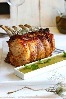 Lomo de cerdo asado y puré de guisantes con menta