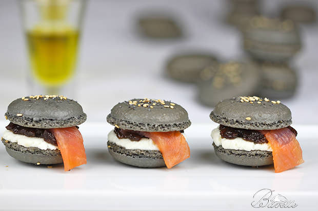 Macarons de salmón ahumado y queso fresco
