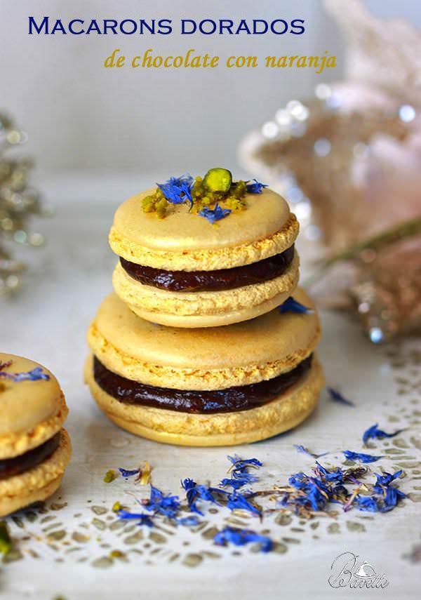 Macarons dorados de chocolate y naranja