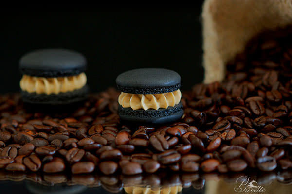 Macarons negros de café