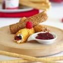 Crujiente de queso mascarpone y salsa dulce de frambuesas