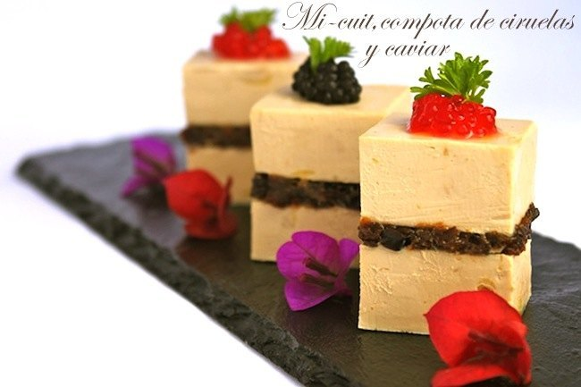 Mi-cuit con compota de ciruelas y caviar