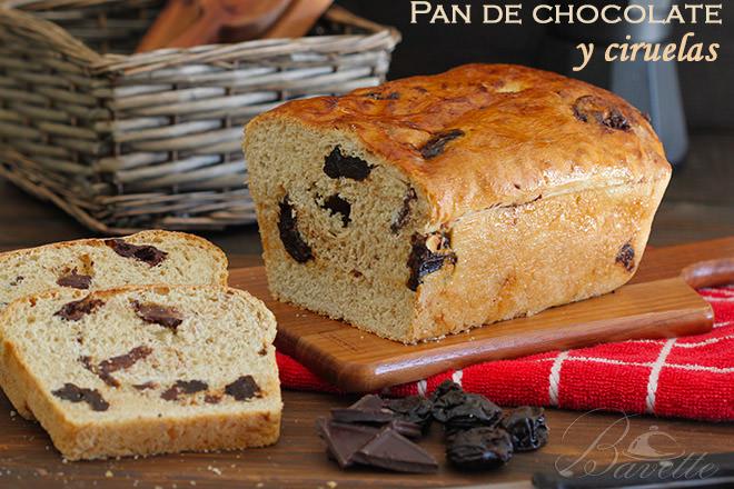Pan con chocolate y ciruelas