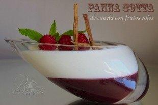 Panna cotta con frutos rojos y canela