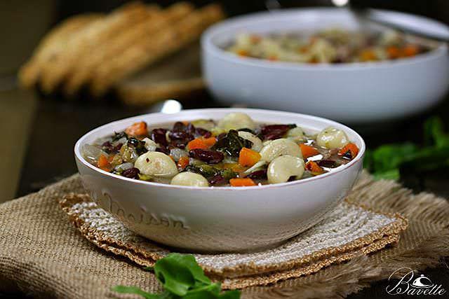Potaje de alubias rojas con verduras y galets