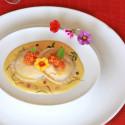 Raviolo de rape con salsa de mostaza a la miel