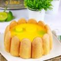 Charlota de mango y lima
