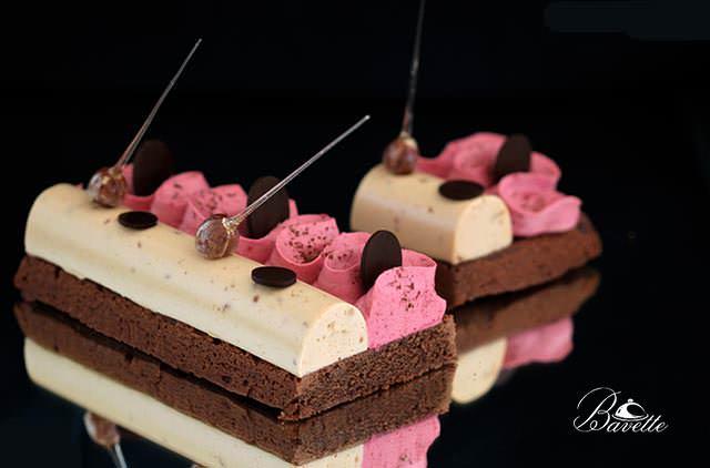 Sablé Bretón de chocolate, con frambuesa y turrón
