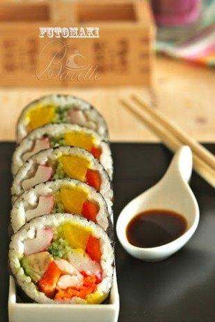 Sushi de verduras y langostinos