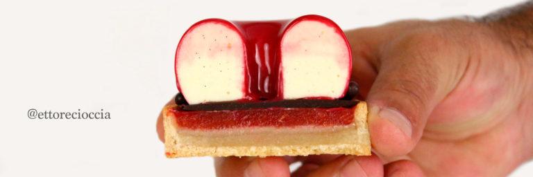 Una receta espectacular de unas Tartaletas de ciruela roja y mazapán, conun cremoso de queso mascarpone, que hemos cubierto, con un glaseado espejo rojo.