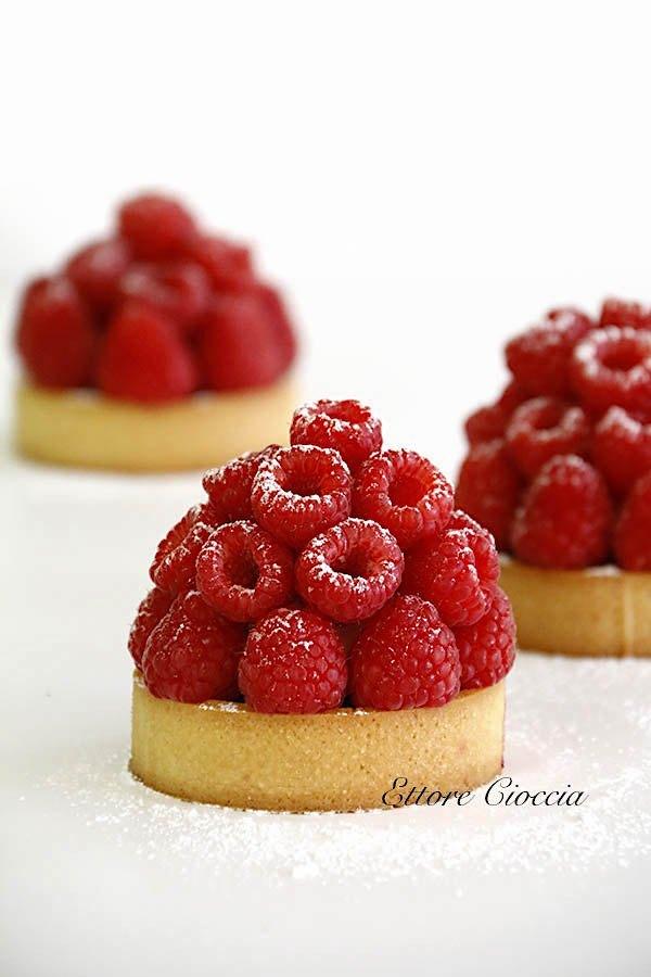 Tartas de Frambuesas con Crema de Avellanas y Chantilly de vainilla