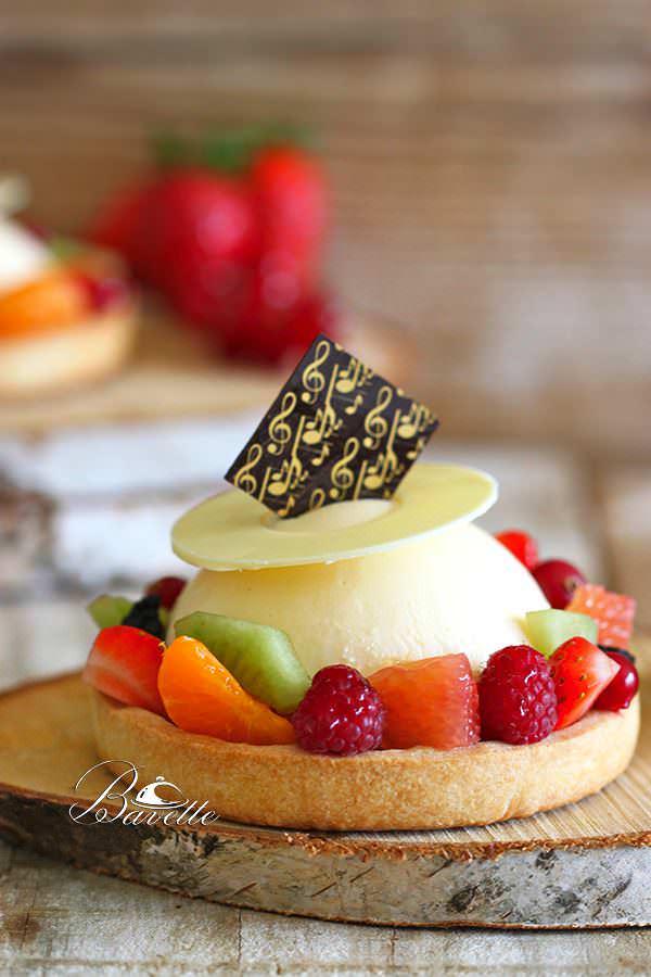 Tartaleta de sablé con crema de lmón, y macedonia de fruta