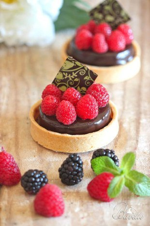 Tartaletas de mousse de chocolate y frambuesa