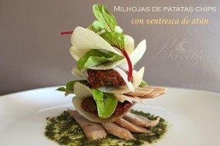 Milhojas de patatas chips, con ventresca de atún.