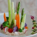 Ensalada de verduras y cremoso a las finas hierbas